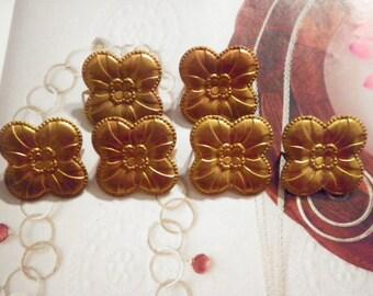 6 Vintage Brass 30mm Four Leaf Clover Stampings