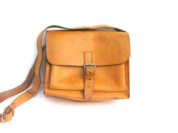 Real leather vintage handbag for retro woman golden light brown