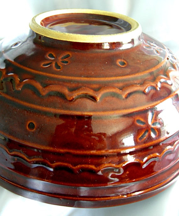 """Large 10"""" Colorado Brown Daisy Dot Pottery Mixing Bowl - Unsigned (MARCREST) - Vintage 1950 -1960"""