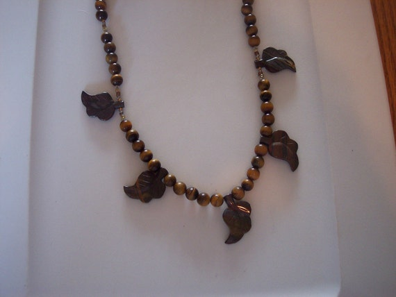 Tiger eye necklace with brown leaves, fall color palette