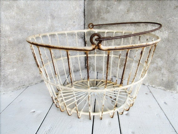 Wire Egg Basket / Off White Cream Rubber Coating / Metal Storage Solution / Rustic Farmhouse Primitive Shabby Decor / epsteam