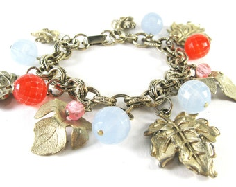 1950s Charm Bracelet / Gold Tone Maple Leaf Chain Bracelet / Lucite Beads