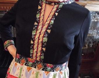 Vintage Dress, 60s Maxi Dress, Poly Knit, Black Bodice, Print Skirt and Trim, Keyhole Neck, Boho, 60s Retro