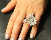 Large Floral Cocktail Ring 1.7ct Diamonds 18k white Gold