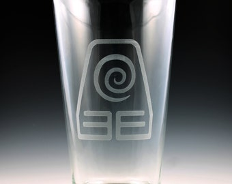 Avatar The Last Airbender - Legend of Korra Earth Nation Pint Glass