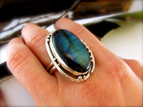 Labradorite Trellis Cocktail Ring