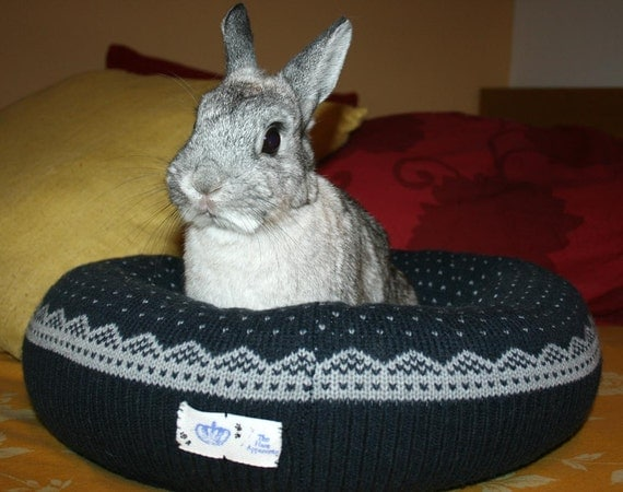 Ugli Donut bunny bed for a small to medium sized rabbit soft dark grey Nordic pattern