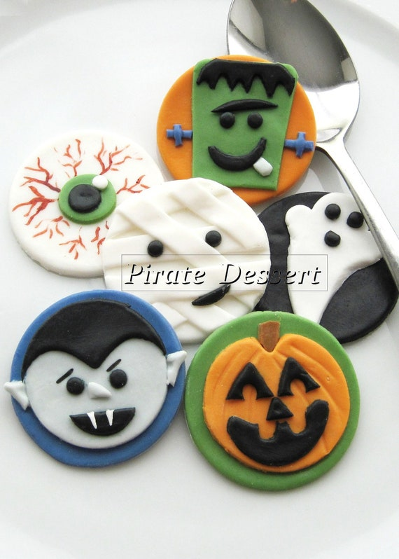 Fondant Cake Halloween Ideas : Edible Halloween cupcake toppers MONSTERS Fondant cake