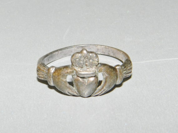 Vintage Sterling Silver Claddagh Ring, Irish 925 Sterling Ring, Pretty, Size 7