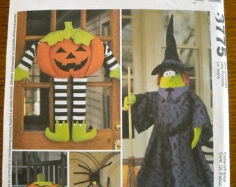 Halloween Decoration Pattern, McCalls 3775, Pumpkin, Spider, Witch