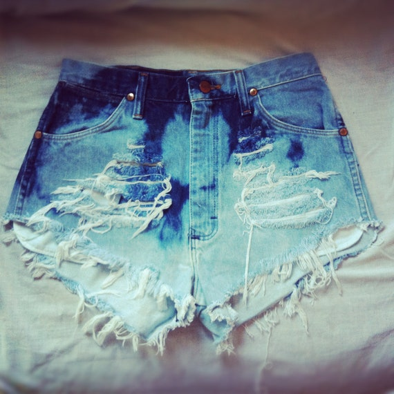 Vintage high waisted dip dyed denim shorts
