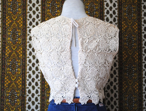 Vintage 1960s Cream Lace Sleeveless Crop Top