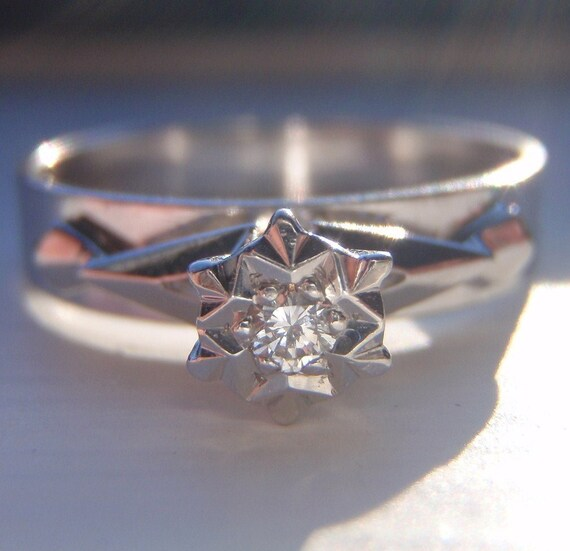 SUPER SALE Diamond Engagement Ring. Retro Solitaire. Solid White Gold. ' Sweet Snowflake'
