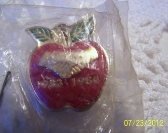 Vintage Teacher's Apple Pin-dated 1983 to 1984-Never removed from the package