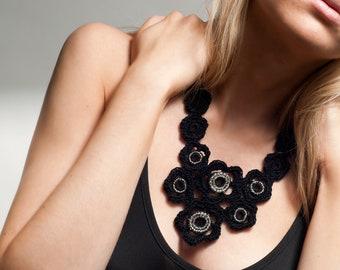 Bib necklace / Flower necklace / Statement jewelry / Embellished necklace / Crochet jewelry / Black necklace / Fashion jewelry / Avant garde