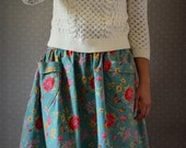 Topeka --  Gathered skirt with pockets size S 6/8