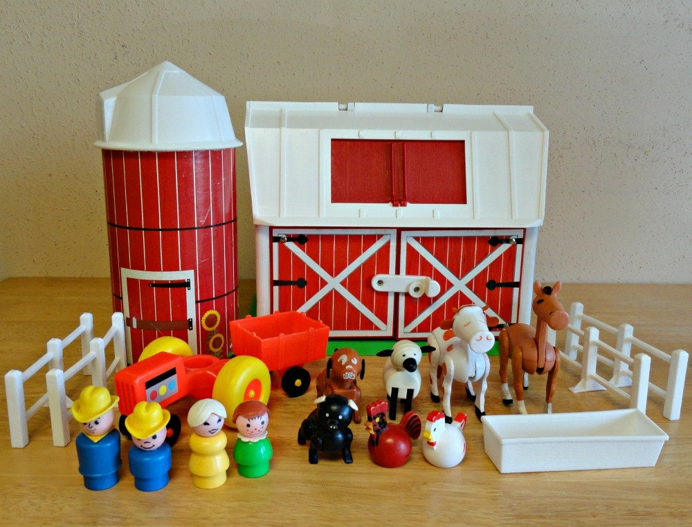 vintage fisher price farm little people play family set 915. Black Bedroom Furniture Sets. Home Design Ideas