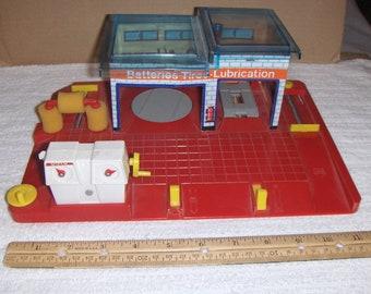 Toy service station - 1970s