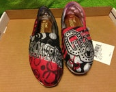 Oklahoma Sooners hand painted toms shoes.