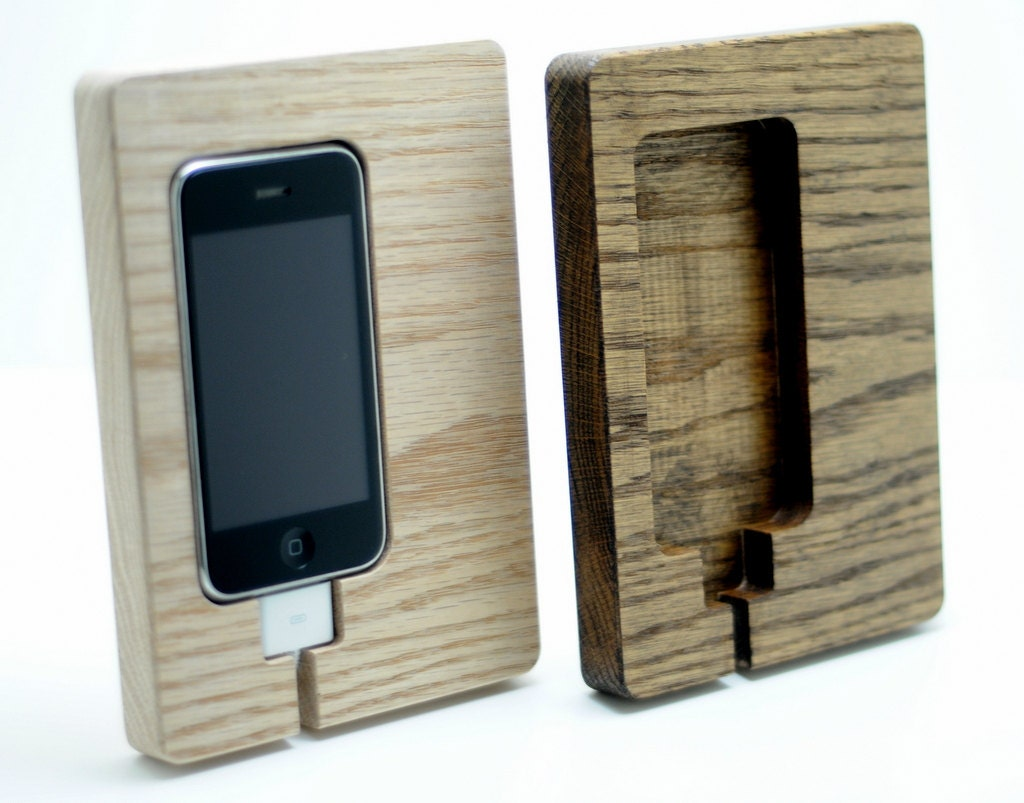 on sale 23 off iphone 4 4s charging station phone dock great. Black Bedroom Furniture Sets. Home Design Ideas