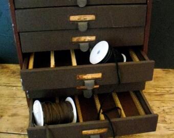 Vintage Watch maker Crystal Cabinet