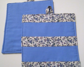 Pot Holders in a blue fabric, Hot Pot Holders, Blue Pot Holders, Blue Floral stripes fabric,Pot Holders