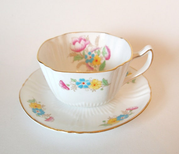 Hand Painted Vintage Queen Anne England - Pretty Teacup and Saucer with Flowers