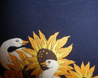 Vintage  Retro Spumoni Navy Blue Sunflower Girl Top 1980's