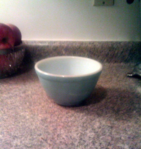 Vintage Pyrex Small Blue Mixing Bowl  - Shabby & Well Used But Functional