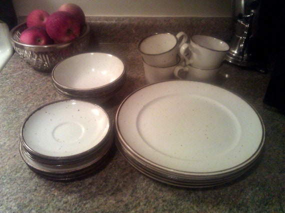 Johnson Brothers Ironstone Dinnerware - 4 settings - 20 Pieces - Patio Brown Speckle Design - 1970s Vintage