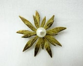Vintage Floral Brooch with Pearl