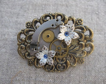 Steampunk Silver Flowers Pin