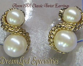 Vintage Jewelry Avon 1991 Classic Twist Earrings with original box