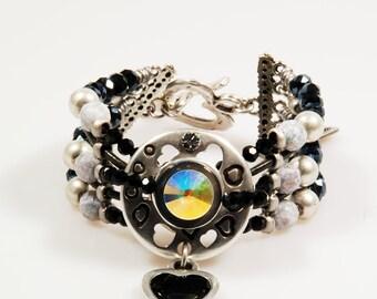 Swarovski bracelet black grey - party jewelry - leather cuff beaded - hearts - shabby chic, boho style, handmade unique jewelry, Catena