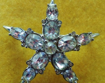 Vintage Star Shaped Crystal Rhinestone Brooch