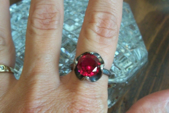 Vintage Sterling Silver Ring Great for Holidays and Valentine's Day