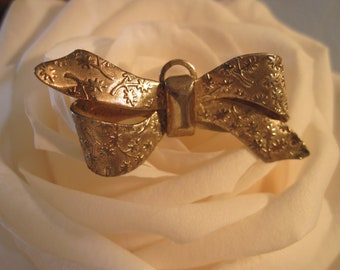 Beautiful Vintage Gold Bow Brooch