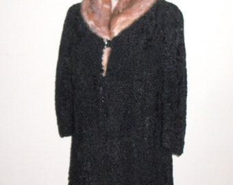 Warm Vintage Lamb's Wool Fur Collared Coat, Fully Lined, Dress Length with Deep Side Pockets - Hollywood Regency Style