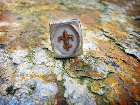 SALE ITEM 10% OFF, Vintage Inspired Fleur De Lis Resin Adjustable Watch Back Ring, Gifts Under 20, For Her, Victorian