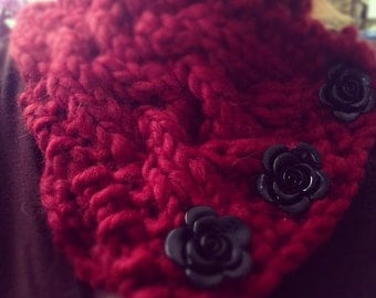 Cabled Cowl With Cool Glass Button Detail
