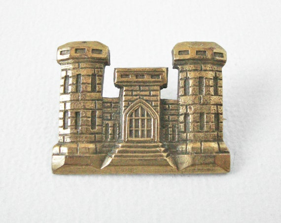 WWII U S Army Corps Of Engineers Lapel Pin