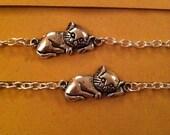 Silver sleepy cat kitty bracelet perfect christmas present stocking filler