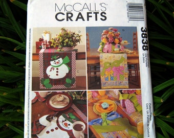 Uncut Pattern - McCall's 3838 - Christams Snowman Package - placemats, table runners, centerpieces and napkins