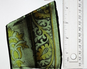 Antique Stained Glass, Beautiful drapery, Lovely stained  colours, Gothic Revival, window, glass, Ref: 14jy28