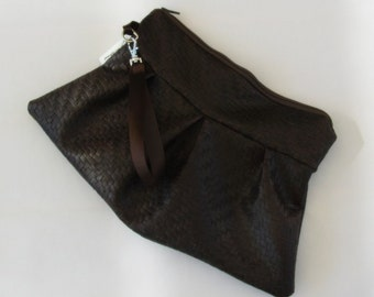 Women's Wristlet, Pleated Wristlet, Brown Basket Weave Faux Leather Pleated Wristlet with Removable Strap