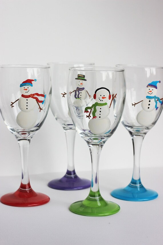 Snowmen wine glasses set of 4 red purple green and blue for Hand painted wine glass christmas designs