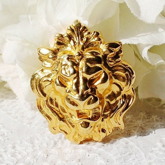 Vintage Scarf Clip / Brooch, Lions Head, Gold Tone Metal, 1960s Mad Men, Wedding Bridal, Figural Animal Costume Jewelry