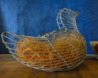 Primitive Wire Hen Egg Basket