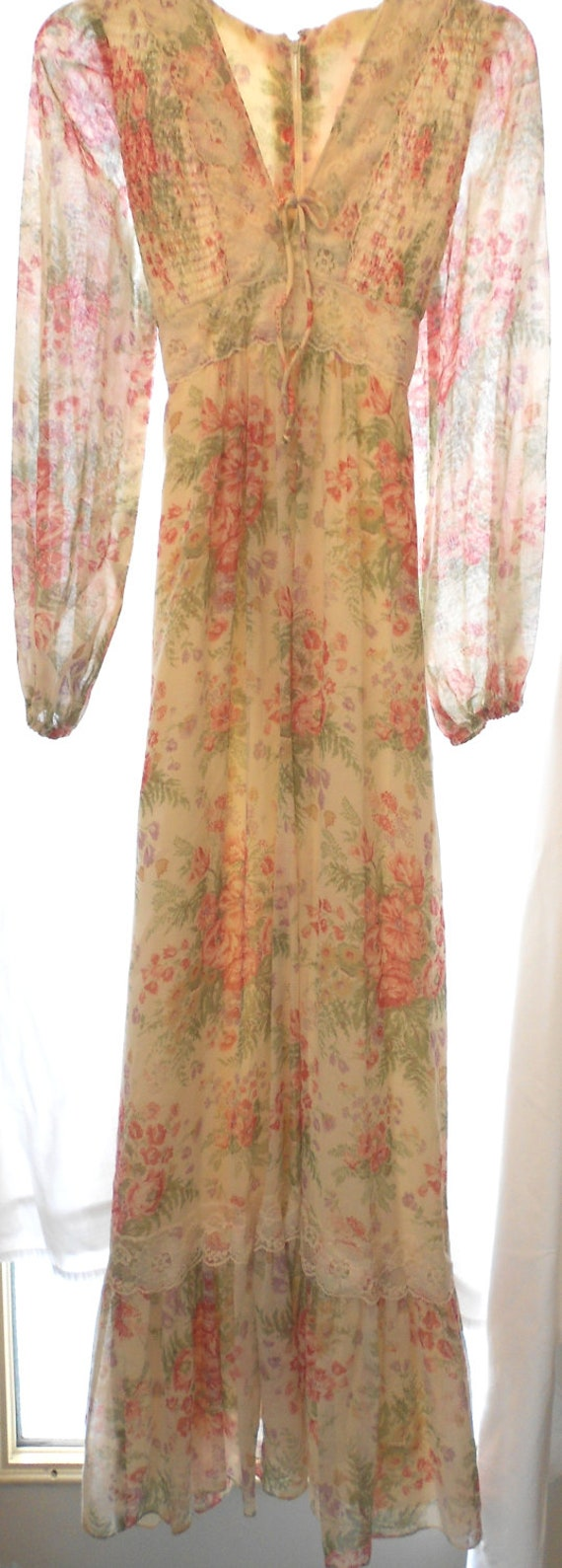 1970's Long Floral Prairie Dress Size Small