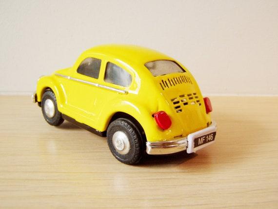 voiture coccinelle jouet